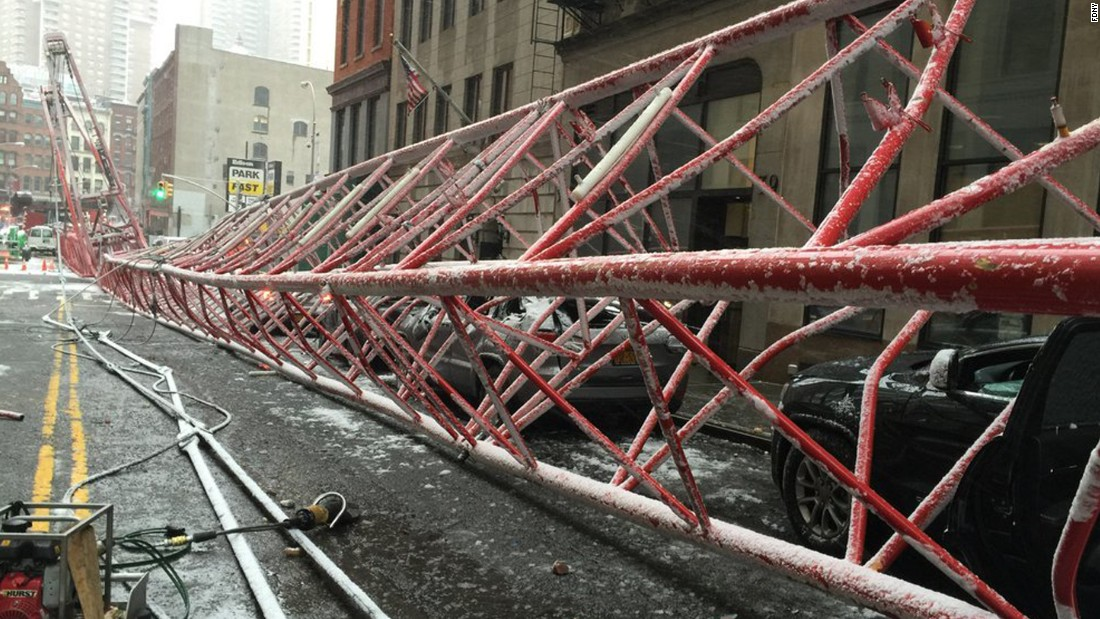 160205092943-03-nyc-crane-collapse-0205-super-169