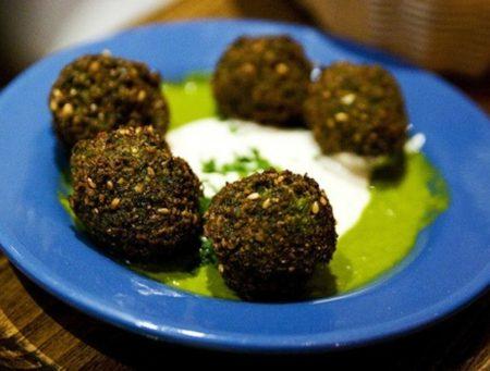 Hummus Place 5 falafel balls